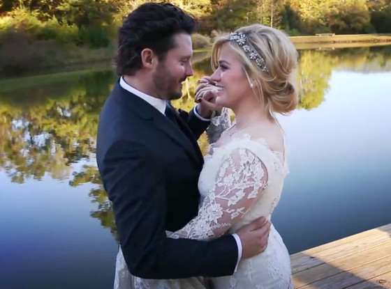 rs_560x415-131022152651-1024.kelly-clarkson-wedding.ls.102213_copy