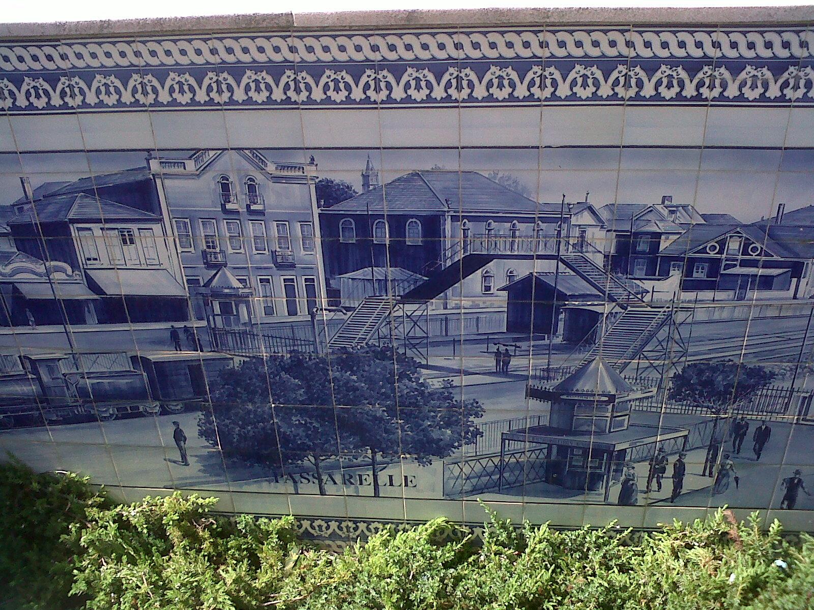 azulejos dos muros da estacao antiga de Espinho