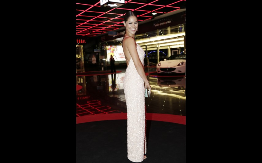 vip-pt-18636-noticia-festa-da-tvi-elegancia-do-branco-e-dos-nudes-na-red-carpet_2